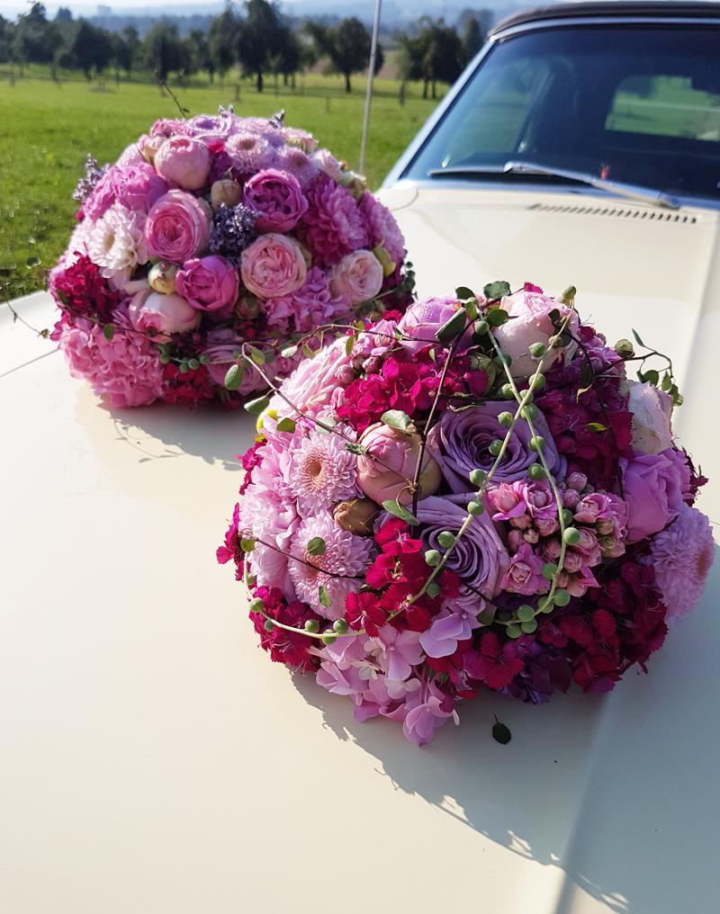 Hochzeit-Auto-Blumenschmuck